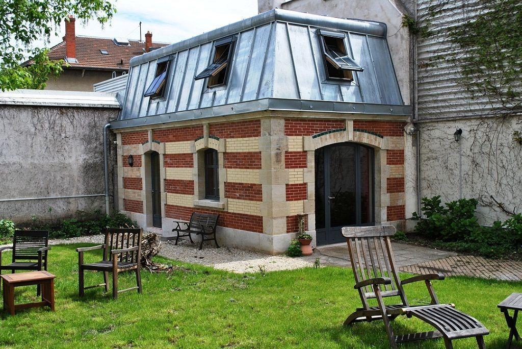meuble de tourisme de la maison schott lorraine tourisme. Black Bedroom Furniture Sets. Home Design Ideas
