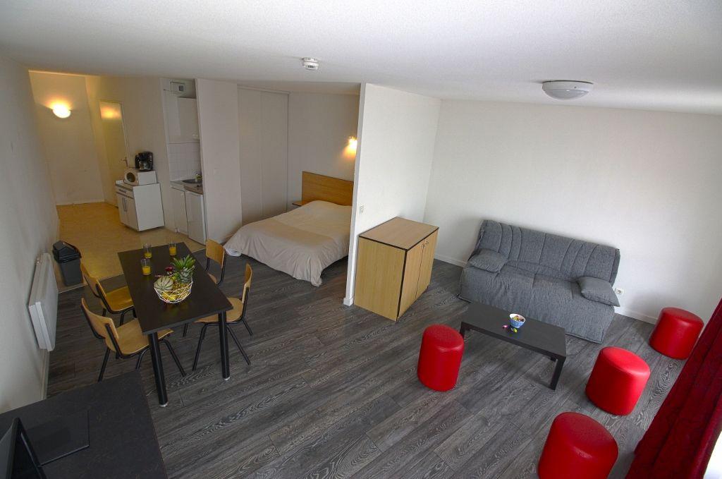 kosy appart 39 hotel la maison des chercheurs lorraine tourisme. Black Bedroom Furniture Sets. Home Design Ideas
