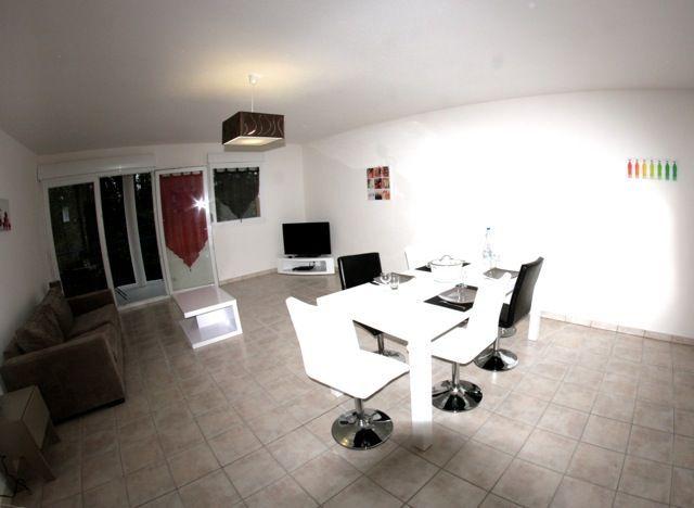 Meuble sarl plaisance appartement n 83 1er tage for Meubles 83