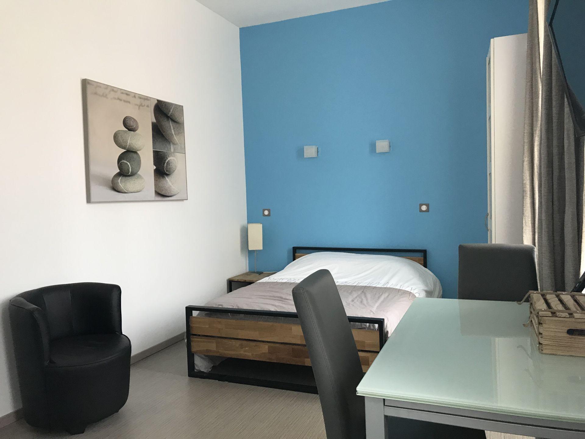 Meuble Four Plaque Induction meuble beddelem sebastien - studio n° 1 - lorraine tourisme