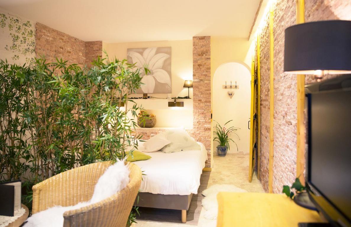 Le haut jardin hotel spa chalets jacuzzi prives for Auberge du haut jardin