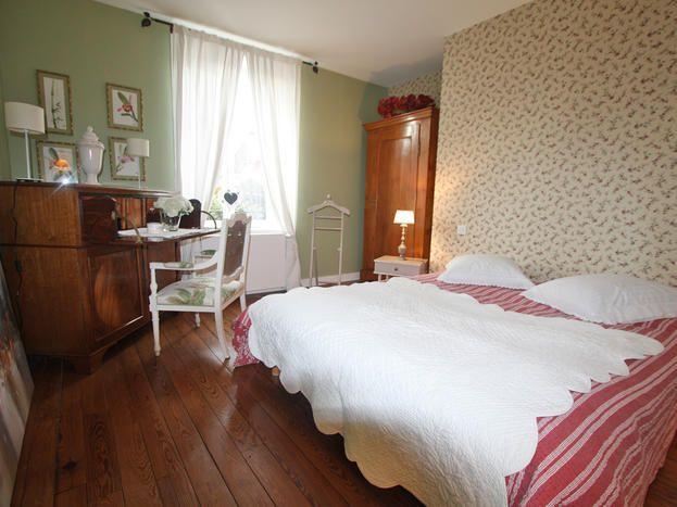 chambre d hote epinal cool chambre d hote epinal meilleur g te le jardinier pinal tarifs. Black Bedroom Furniture Sets. Home Design Ideas