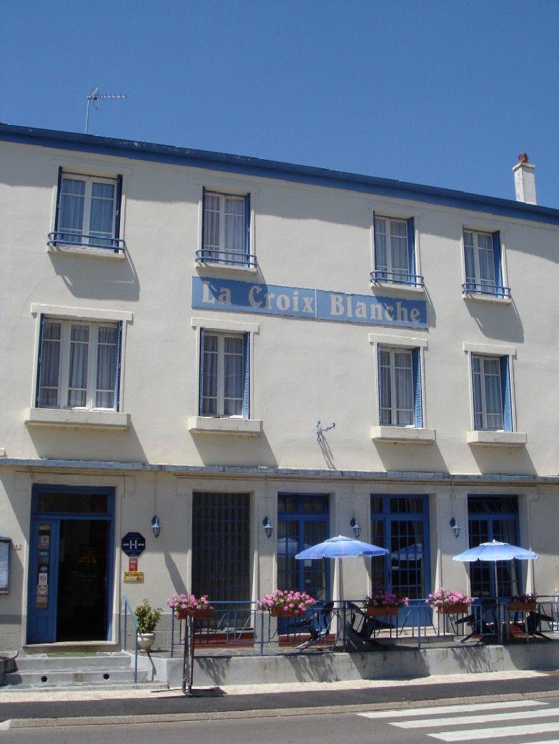 Hotel restaurant la croix blanche lorraine tourisme for Garage la croix blanche