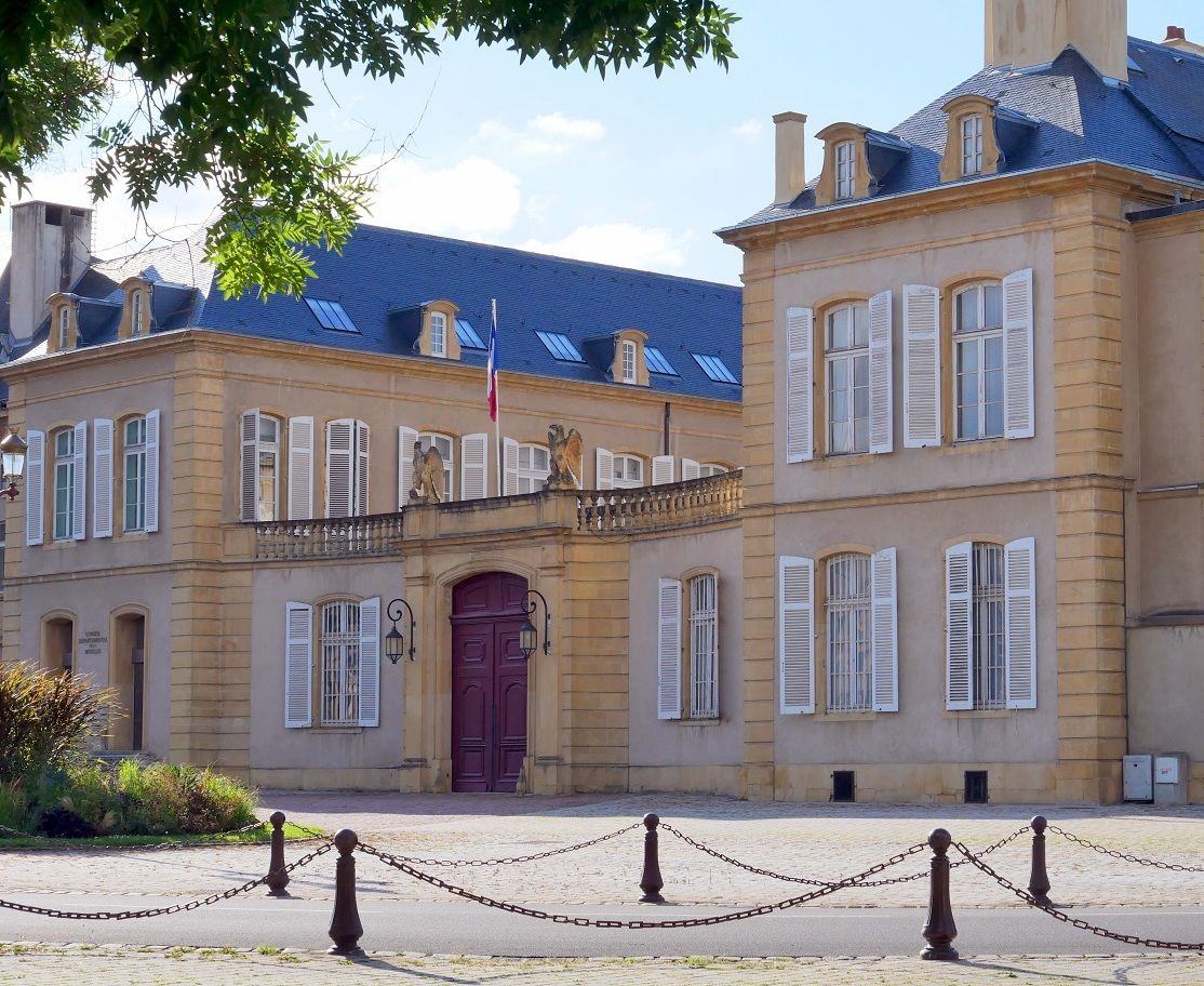 Ancien hotel de l 39 intendance et actuelle prefecture de moselle et de lorraine lorraine tourisme - Office de tourisme moselle ...