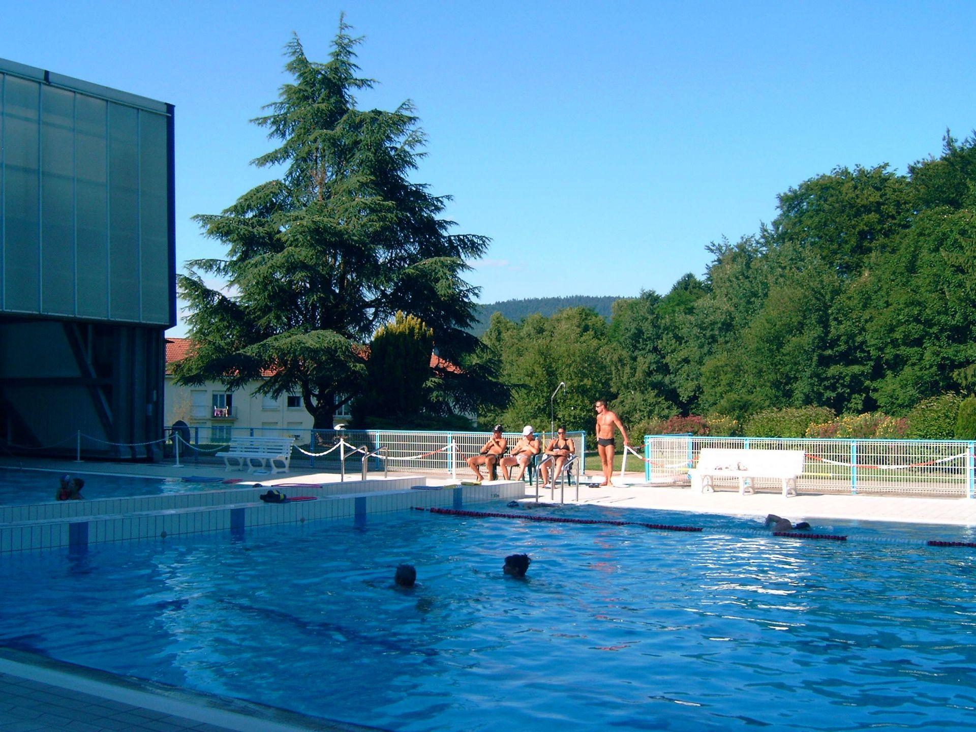 Le centre aquatique de remiremont lorraine tourisme - Office du tourisme remiremont ...